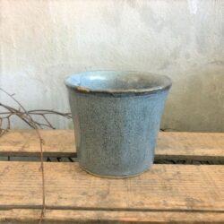 Skjuler til blomster i blå unika keramik