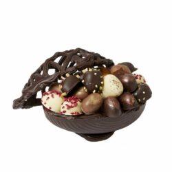 Kvalitetspåskeæg i mørk chokolade med fint fletlåg