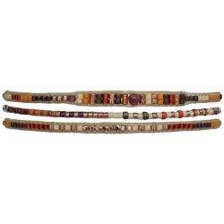 Armbånd fra LeJu med brændte perler i en række
