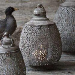 Draabeformet-lanterne-antik-gråabrun-sikadesign